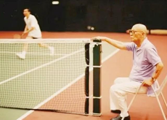 2009年,呂正操上將病逝北京,享年105歲,其長壽之道,有5個習慣