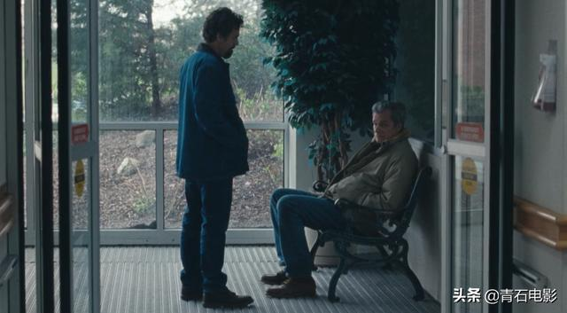 "HBO又出暗马剧,""绿巨人""马克叔饰演一对双胞胎,狂飙演技"