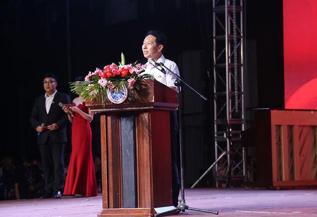 黄河交通学院隆重举走祝贺建党100周年文艺晚会