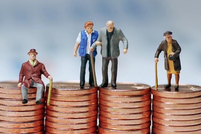 如果活不到65岁,以前的养老保险费用是不是就白交了?