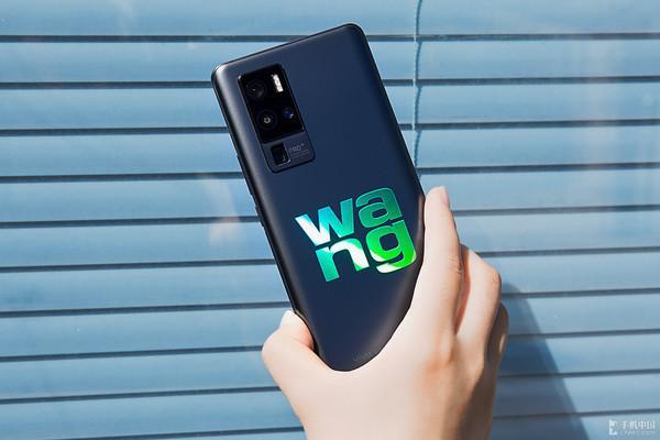 一文带你解读2020手机消耗趋势 续航/拍照成用户刚需