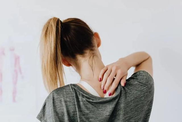 骨质疏松不是老年病!预防是关键,3个方法养成强健骨骼