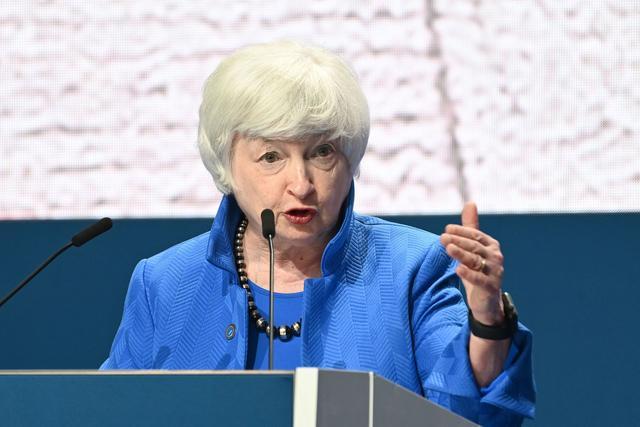 高德胜:美国经济正站在悬崖边上,该怎么办?