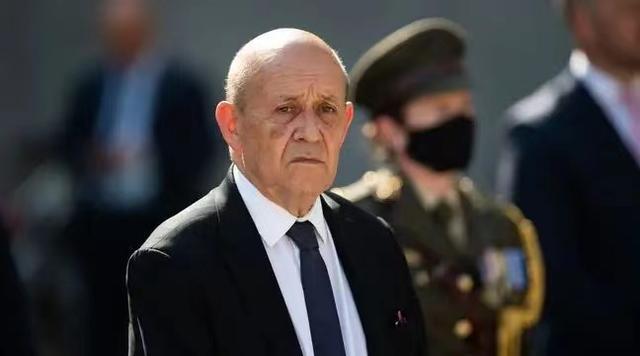"""560亿欧元订单""""黄了""""!遭美澳""""背后捅了一刀"""",法国外长最新发声:撕毁潜艇协议是对法国的重大失信和藐视"""