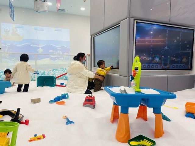 奥特曼搞笑玩具的动画片:儿童玩具店加盟品牌哪个好