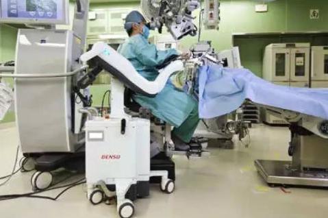 """""""防抖""""辅助手术设备"""