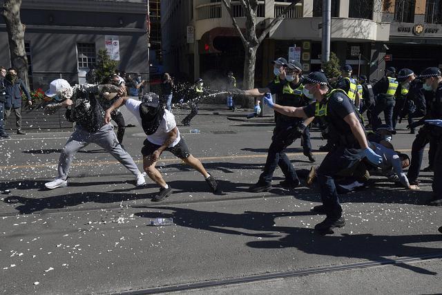 """出手直戳澳大利亚""""死穴""""!两总理相继出手,要求议会调查老莫"""