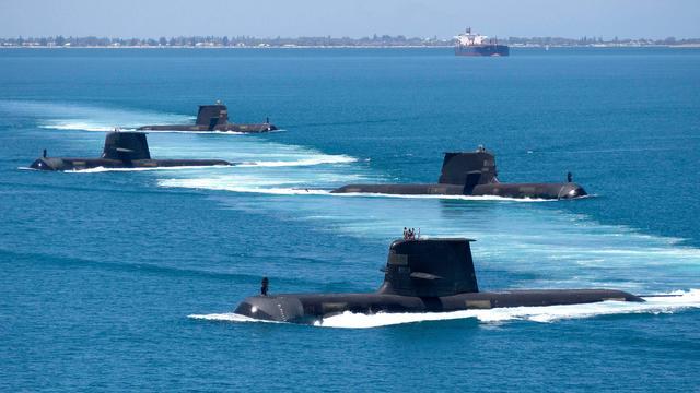 澳大利亚拟建造8艘核潜艇,撕毁法国700亿美元大单,英美鼎力相助