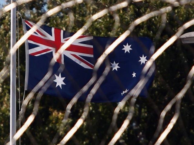 监狱更好?澳大利亚囚犯越狱在外30年,突然在沙滩上想通后去自首