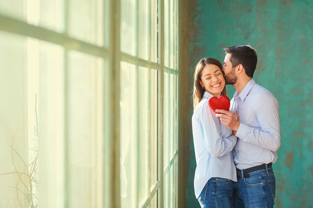 情话 中外名人爱情箴言100句,精辟戳心,让你懂得爱情真谛