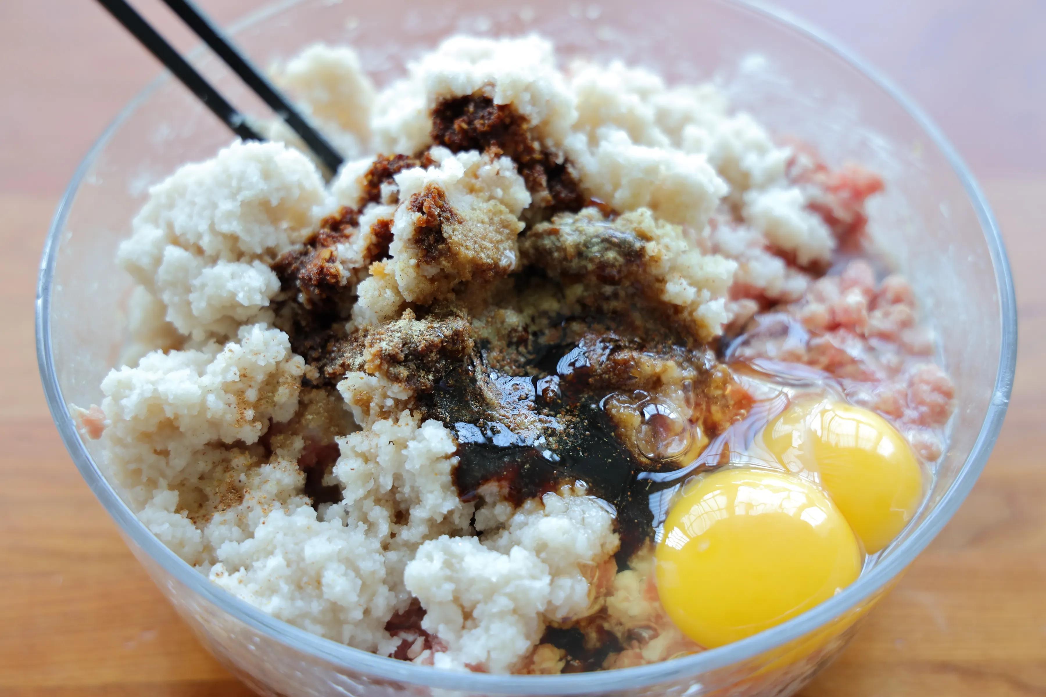 冬天一定要吃藕丸子,炖汤炖菜都好吃,一次多做一点,管够一个月