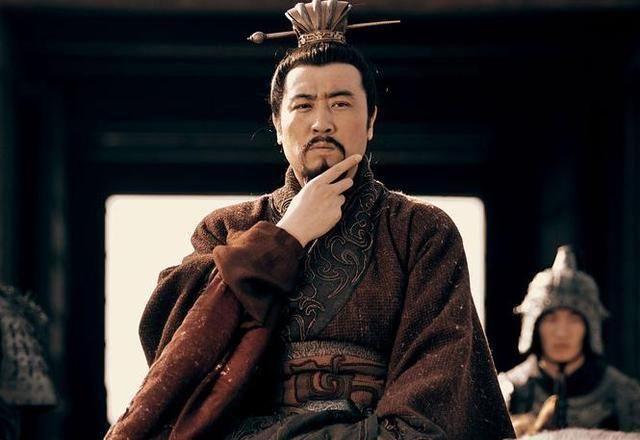 刘备称帝有3位大臣反对,结果一个贬官,一个被杀,一个病逝