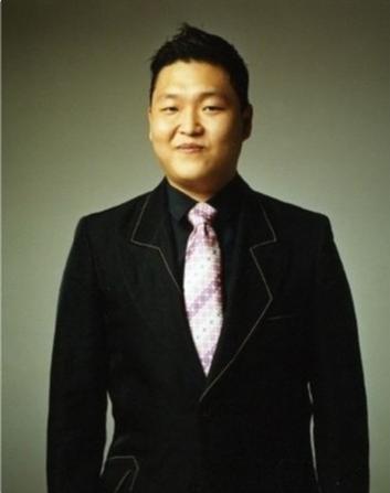 """鸟叔消亡史:从火遍全球,到""""韩国之耻"""",他到底走错了哪一步?"""