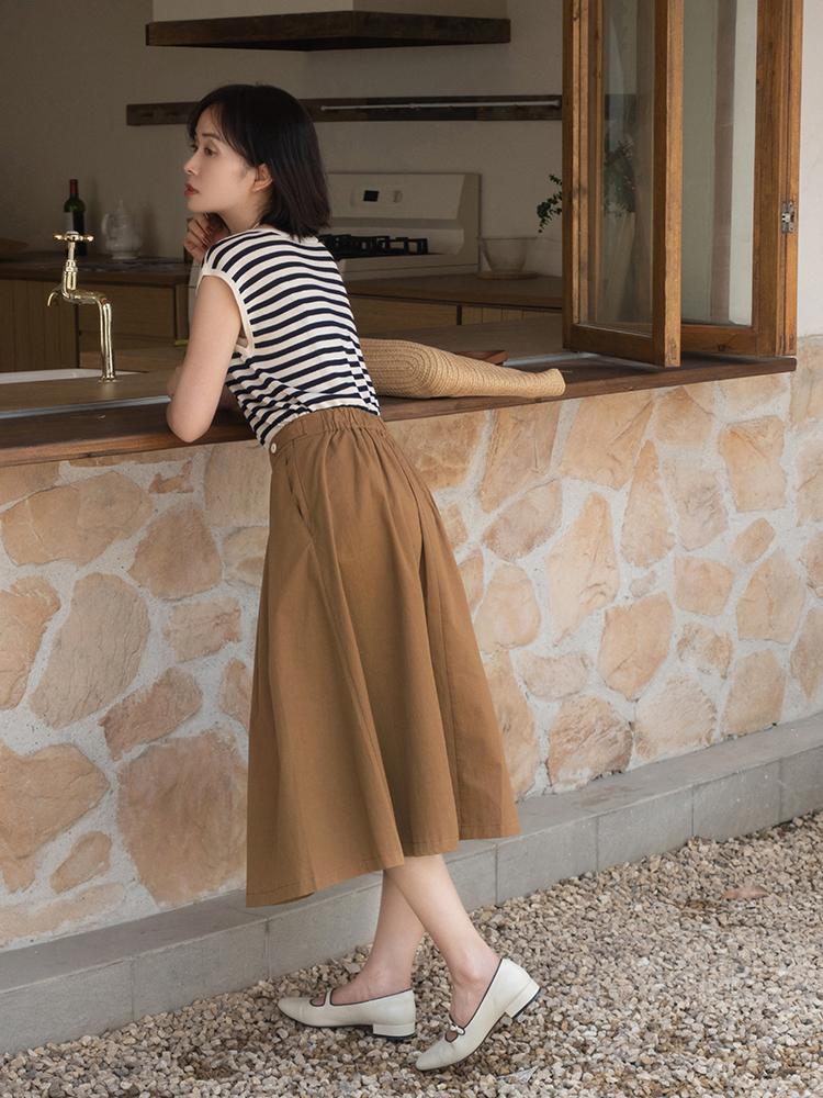 終於把條紋襯衫的「穿搭精髓」穿出來了!搭配薄紗半身裙,真檔次 形象穿搭 第18張