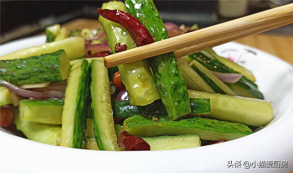 【香辣黄瓜条】做法步骤图 制作简单 清脆爽口味道香辣好吃