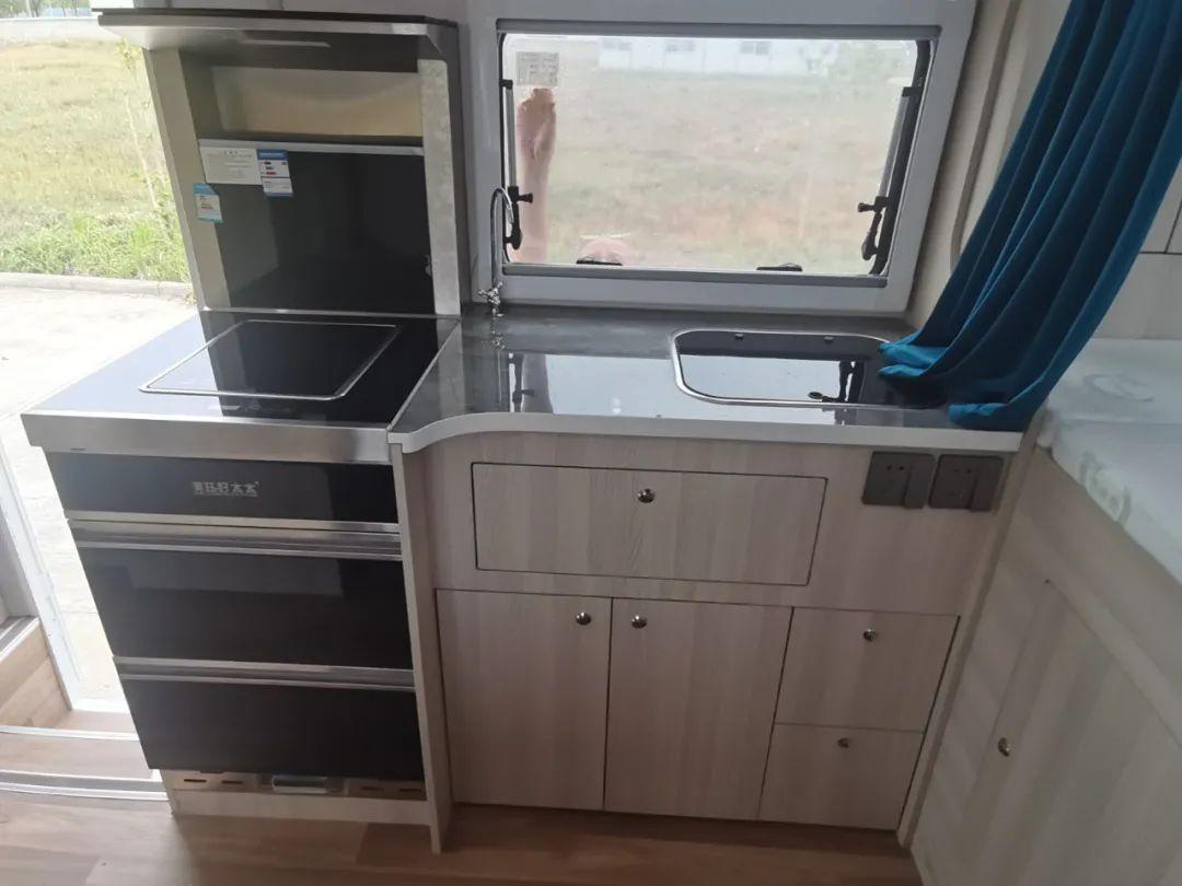 集成灶 大冰箱 水电无忧 配置杠杠的 | 华居腾豹款轻卡房车