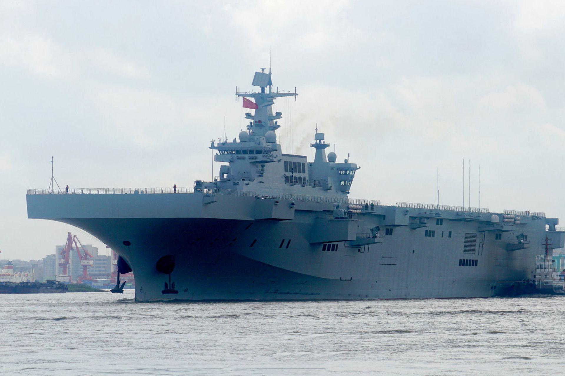 075二三号舰相继传来消息!海试加速舾装加快,两栖战力加速成型