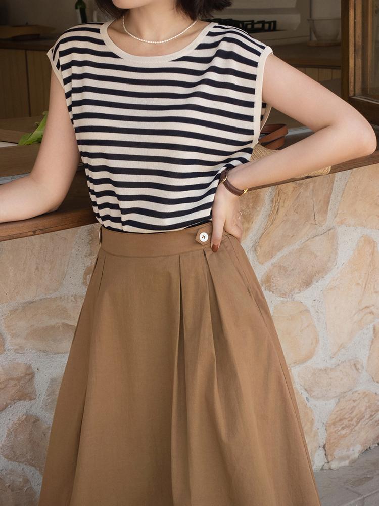 終於把條紋襯衫的「穿搭精髓」穿出來了!搭配薄紗半身裙,真檔次 形象穿搭 第20張