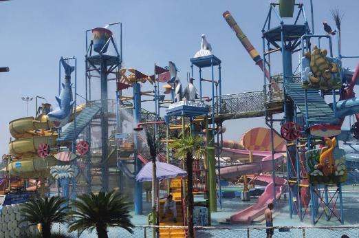 悦兮半岛水上乐园夜场成人票悦兮半岛水上乐园---水陆游乐狂欢、亲子娱乐体验、生态观光休闲,让我们暂别都市的喧嚣,开启一场奇妙的仲夏欢畅清凉之旅吧!
